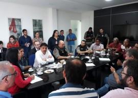 24.05.18 reuniao caminhoneiros doca 2 270x192 - Governo do Estado intermedia acordo e garante liberação de 30% do abastecimento de combustível na Paraíba