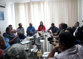24.05.18 reuniao caminhoneiros doca 3 270x192 - Governo do Estado intermedia acordo e garante liberação de 30% do abastecimento de combustível na Paraíba