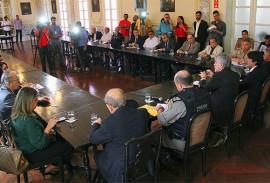 ricardo renue para discutir sobre a greve foto jose marques 2 270x183 - Governo reúne setor produtivo e discute soluções para amenizar efeitos da crise na Paraíba