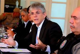 ricardo renue para discutir sobre a greve foto jose marques 4 270x183 - Governo reúne setor produtivo e discute soluções para amenizar efeitos da crise na Paraíba