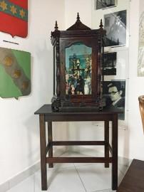 oratorio zelins1 202x270 - Museu da Funesc recebe oratório e relógio de parede usados por José Lins do Rêgo