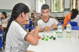 Produção de Materiais Escola Papa Paulo VI  Delmer Rodrigues 5 270x178 - Estudantes da Rede Estadual de Ensino aprendem sustentabilidade com a produção de produtos de limpeza