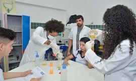 Produção de Materiais Escola Papa Paulo VI  Delmer Rodrigues 7 270x162 - Estudantes da Rede Estadual de Ensino aprendem sustentabilidade com a produção de produtos de limpeza