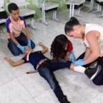 bombeiros treina criancas e adolescentes em aces de primeiros socorros (1)a