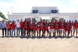 ricardo entrega do campo de futebol o nildinzao em ibiara_foto francisco franca (13)
