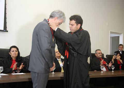 ricardo recebe homenagem do Ministerio Publico foto alberi pontes (8)